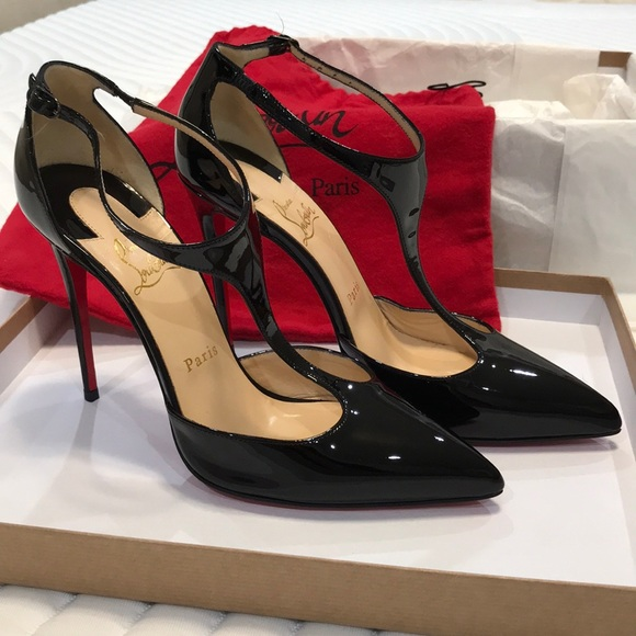 red bottom louboutin shoes